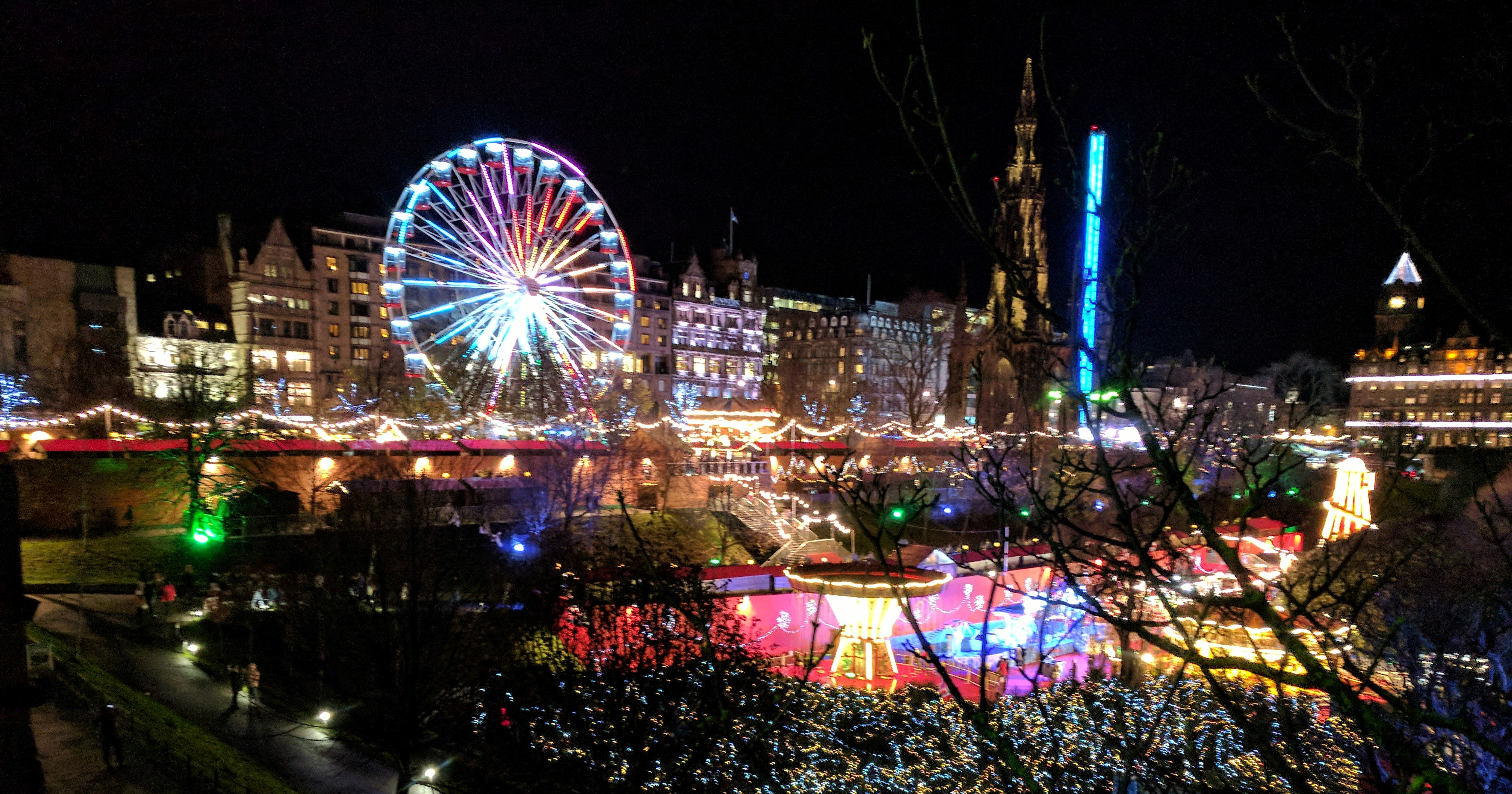 Twinkling Edinburgh this Festive - Oink